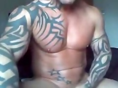 tatto muscle hunk