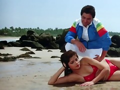 sonam bikini scene rarely movie-vijay (1988)