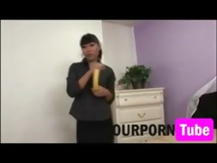 oriental mother and daughter oral-sex lesson -