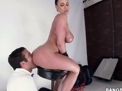 breasty big a-hole kendra craving
