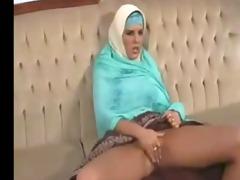 ichkerian sister-in-faith fondles pussy